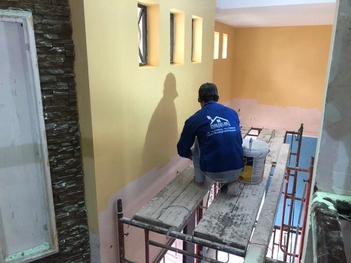 Thợ sửa chữa nhà